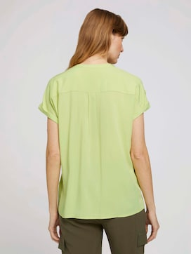 Short-sleeved shirt blouse with pockets - 2 - TOM TAILOR