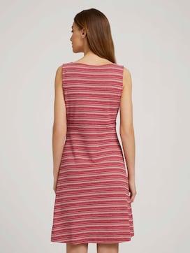 Mouwloze midi-jurk met streep - 2 - TOM TAILOR