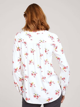 patterned blouse with turn-up sleeves - 2 - TOM TAILOR