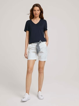 Relaxed Chino Bermuda Shorts - 3 - TOM TAILOR