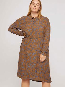 Curvy - midi dress with a floral print - 5 - My True Me