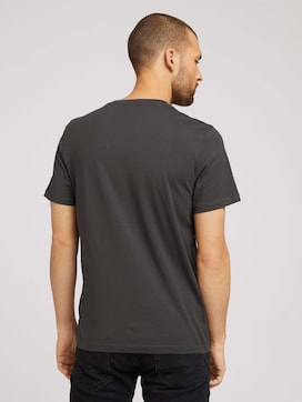Basic T-Shirt - 2 - TOM TAILOR