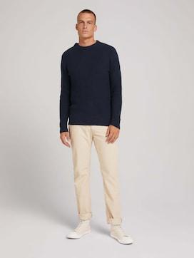 Travis regular corduroy trousers - 3 - TOM TAILOR