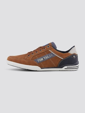 Sneakers with a large logo print - 7 - TOM TAILOR