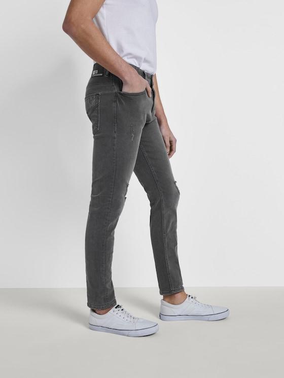Conroy Tapered Jeans - Men - destroyed mid stone grey denim - 3 - TOM TAILOR Denim