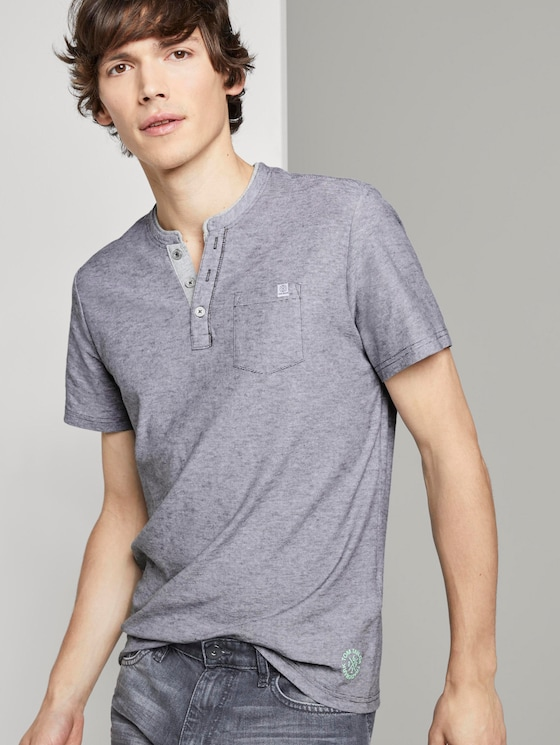 Gestreiftes Henley-T-Shirt - Männer - tarmac grey yarndye stripe - 5 - TOM TAILOR