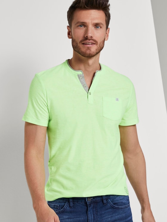 Gestreiftes Henley-T-Shirt - Männer - neon green white fine stripe - 5 - TOM TAILOR