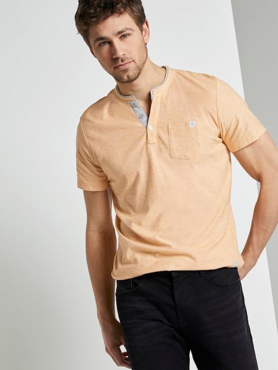 Gestreiftes Henley-T-Shirt - Männer - yellow white fine stripe - 5 - TOM TAILOR