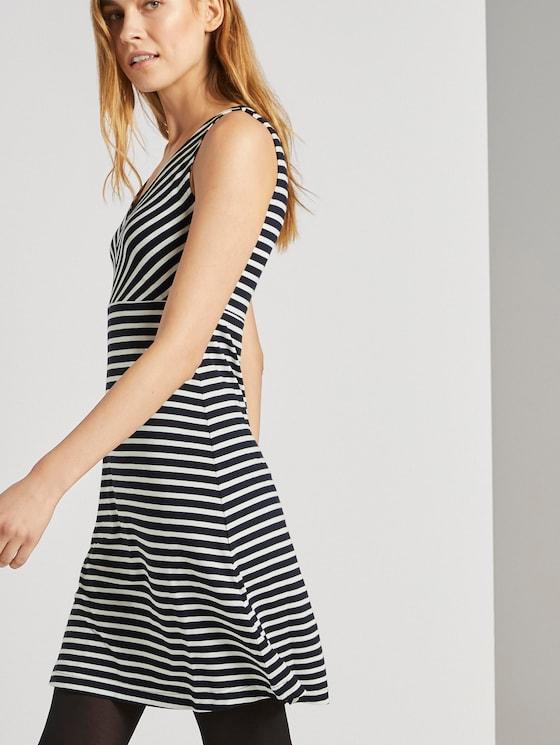 Gemustertes Kleid mit V-Ausschnitt - Frauen - navy stripe - 5 - TOM TAILOR