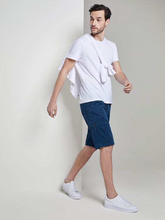 Gemusterte Cargo-Shorts mit Gürtel - Männer - blue minimal structure check - 3 - TOM TAILOR