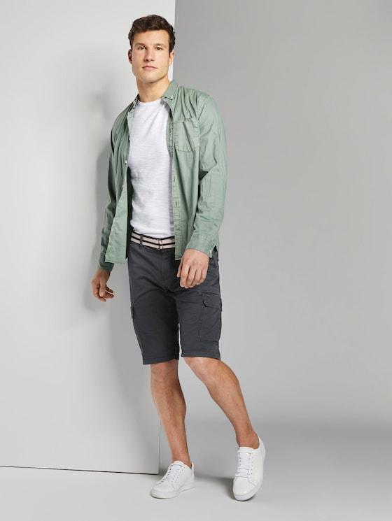 Gemusterte Cargo-Shorts mit Gürtel - Männer - blue small t design - 3 - TOM TAILOR