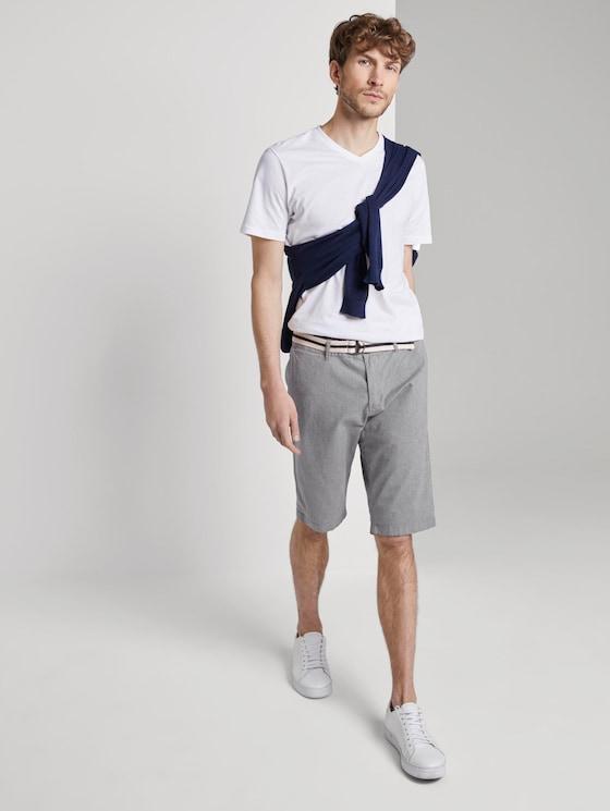 Gemusterte Josh Regular Slim Bermuda-Shorts mit Gürtel - Männer - Grey Melange - 3 - TOM TAILOR