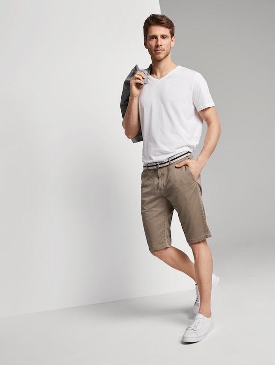 Gemusterte Josh Regular Slim Bermuda-Shorts mit Gürtel - Männer - beige rhomb design - 3 - TOM TAILOR