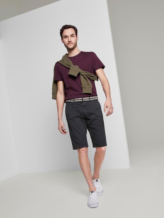 Gemusterte Josh Regular Slim Bermuda-Shorts mit Gürtel - Männer - blue t design - 3 - TOM TAILOR