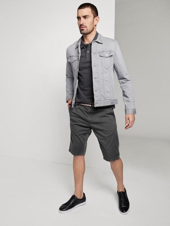 Gemusterte Josh Regular Slim Bermuda-Shorts mit Gürtel - Männer - grey bean design - 3 - TOM TAILOR