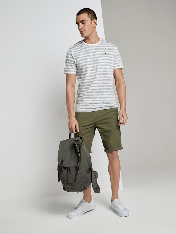 Josh regular slim chino shorts - Men - Olive Night Green - 3 - TOM TAILOR