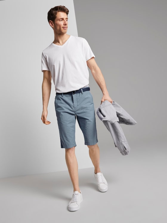 Gemusterte Josh Regular Slim Baumwoll-Shorts mit Gürtel - Männer - light blue tailor design - 3 - TOM TAILOR