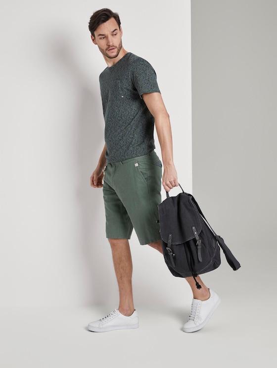 Chino-Shorts mit Kordelanhänger - Männer - Pale Bark Green - 3 - TOM TAILOR