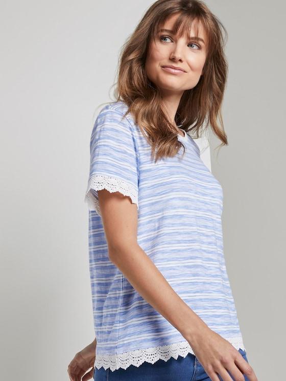 Gestreept T-shirt met gehaakte details - Vrouwen - light blue white stripe - 5 - TOM TAILOR Denim