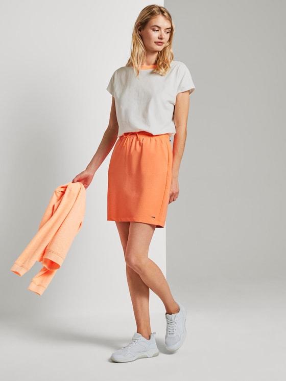 Sporty mini skirt with an elastic waistband - Women - dark papaya neon orange - 3 - TOM TAILOR Denim