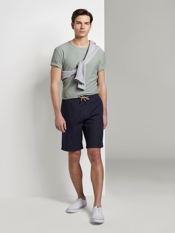 Structured shorts in a jogger fit - Men - navy dot yarn dye - 3 - TOM TAILOR Denim