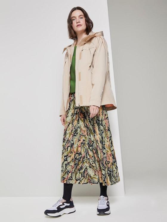 Pleated midi skirt with a snake print - Women - colourful snake print - 3 - TOM TAILOR Denim