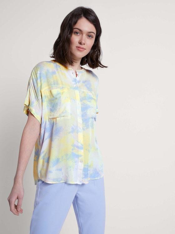 Kurzarm Blusenshirt im Batik-Look - Frauen - yellow rose batik print - 5 - TOM TAILOR Denim