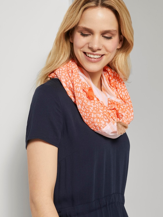Patterned scarf with tassels - Women - melon small leo design - 5 - TOM TAILOR
