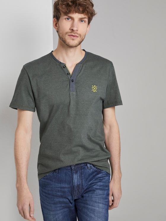 Serafino T-Shirt mit Farbmusterung - Männer - green overdye stripe - 5 - TOM TAILOR