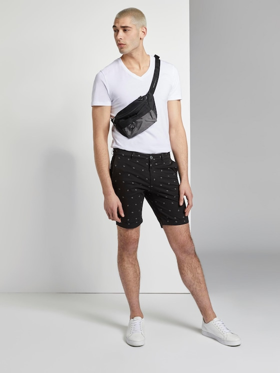 Gemusterte Chino Shorts - Männer - black small leaves print - 3 - TOM TAILOR Denim