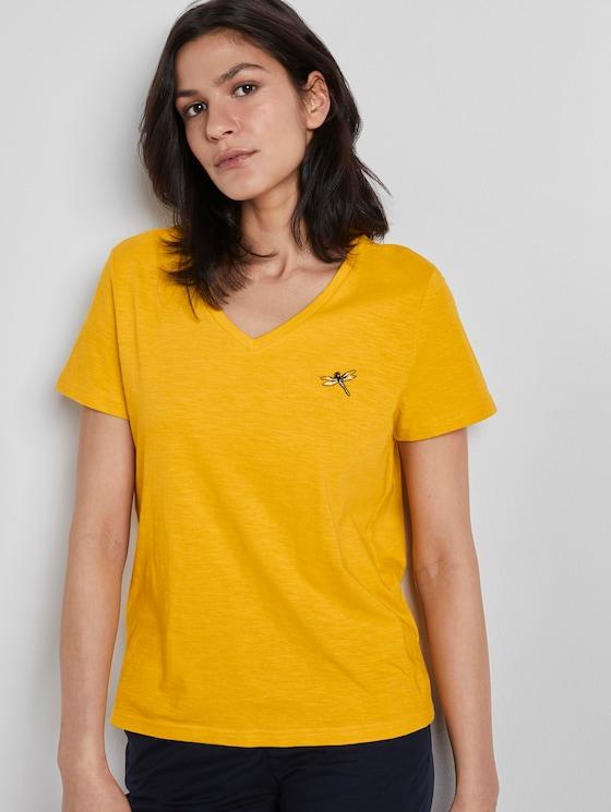 T-Shirt mit V-Ausschnitt und kleinem Print - Frauen - deep golden yellow - 5 - TOM TAILOR