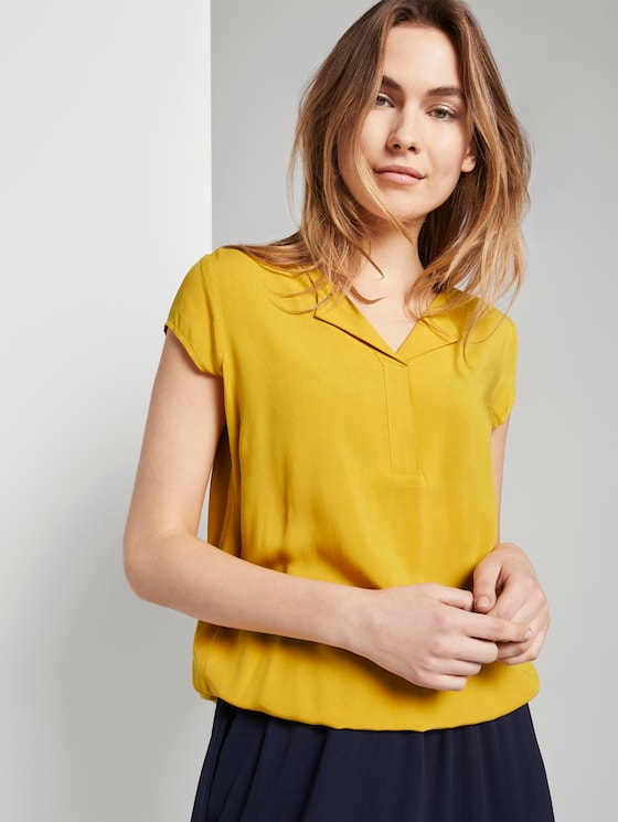 Patterned short-sleeved blouse with a reversed V-neckline - Women - deep golden yellow - 5 - TOM TAILOR