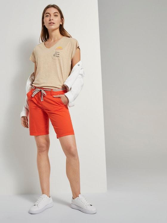 Relaxed Chino Bermuda Shorts mit Stoffgürtel - Frauen - strong flame orange - 3 - TOM TAILOR