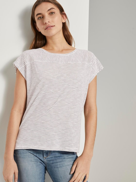 Striped T-shirt with short slits - Women - offwhite thin stripes - 5 - TOM TAILOR