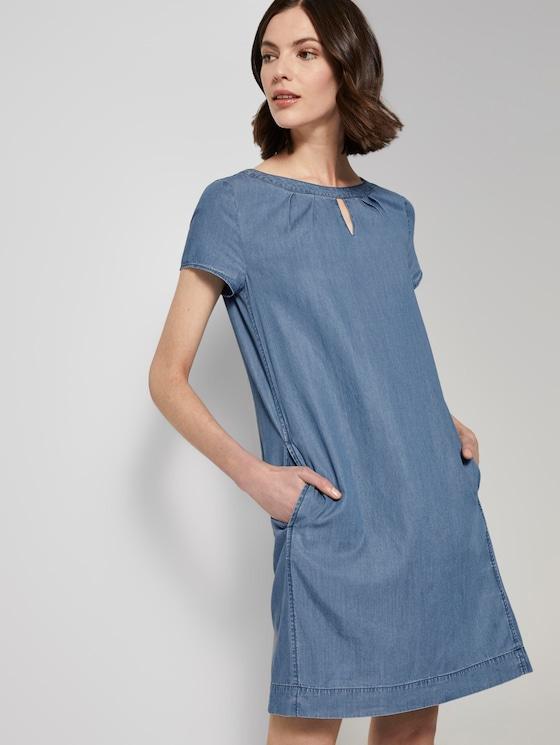 Lyocell T-shirt dress in a denim look - Women - mid stone wash denim - 5 - TOM TAILOR