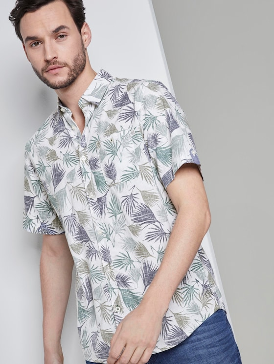 Short-sleeved shirt with a tropical print - Men - small palm tree leaf design - 5 - TOM TAILOR