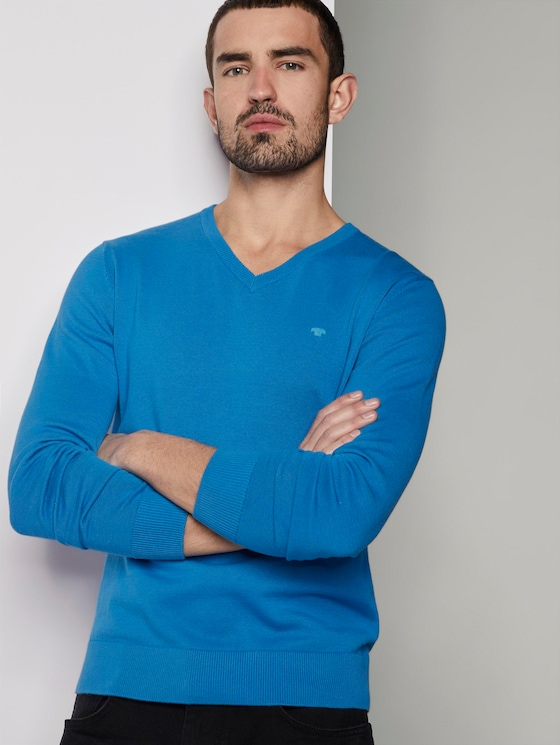 Basic knitted sweater with a V-neckline - Men - brilliant middle blue - 5 - TOM TAILOR