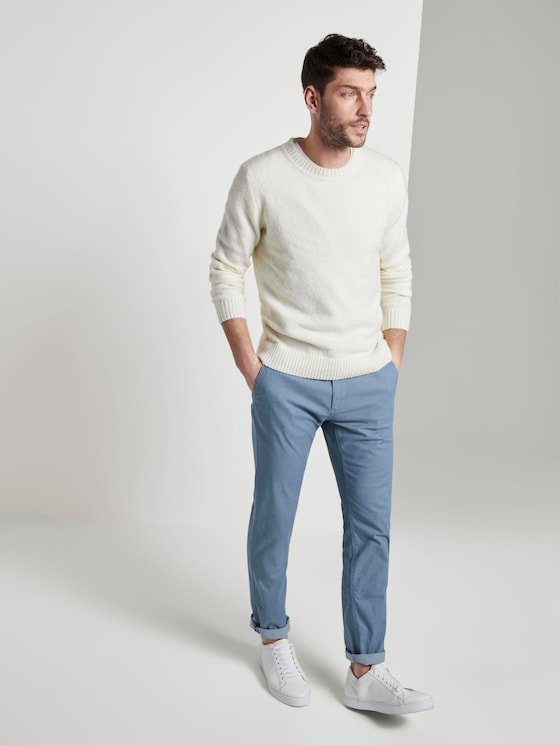 Strukturierte Travis Slim Chino Hose mit Gürtel - Männer - light blue structure - 3 - TOM TAILOR