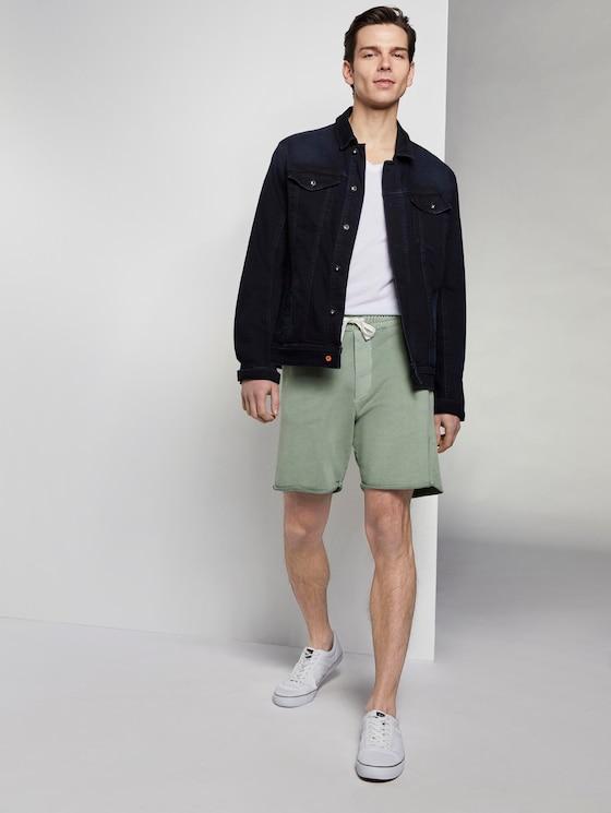 Sweat-Shorts im Washed-Look - Männer - Dusty Leave Green - 3 - TOM TAILOR Denim