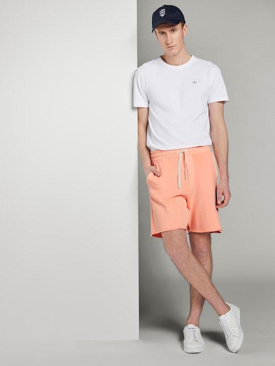 Sweat-Shorts im Washed-Look - Männer - papaya neon orange - 3 - TOM TAILOR Denim