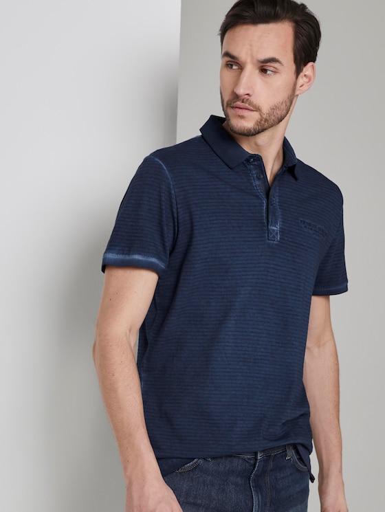 Gestreiftes Poloshirt mit kleiner Stickerei - Männer - Black Iris Blue - 5 - TOM TAILOR