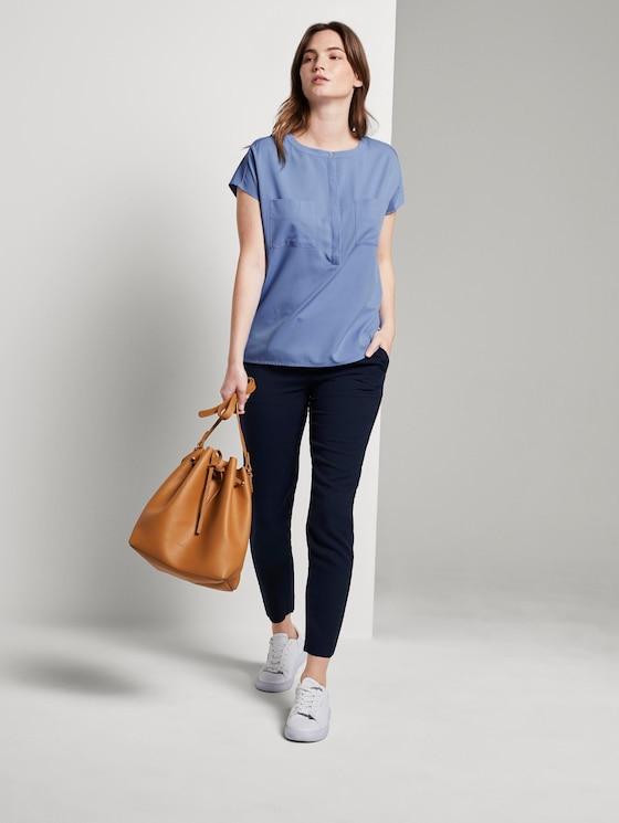 Kurzarm-Bluse mit Brusttaschen - Frauen - dreamy blue - 3 - Mine to five