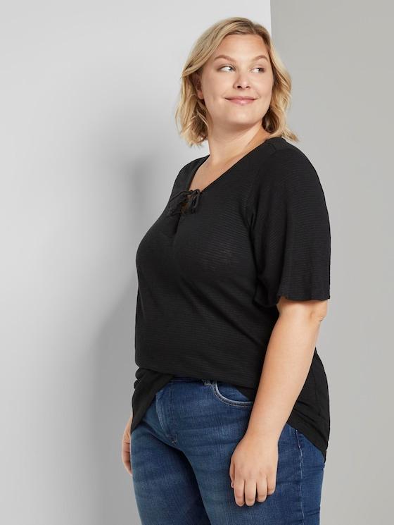 T-Shirt mit Schnürung am Ausschnitt - Frauen - Deep Black - 5 - My True Me