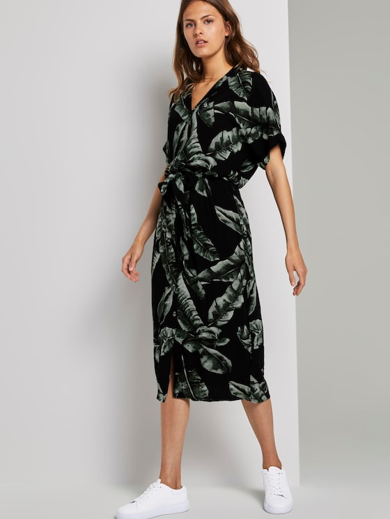 Flowing midi dress with a print - Women - black tropical leaves design - 5 - Mine to five