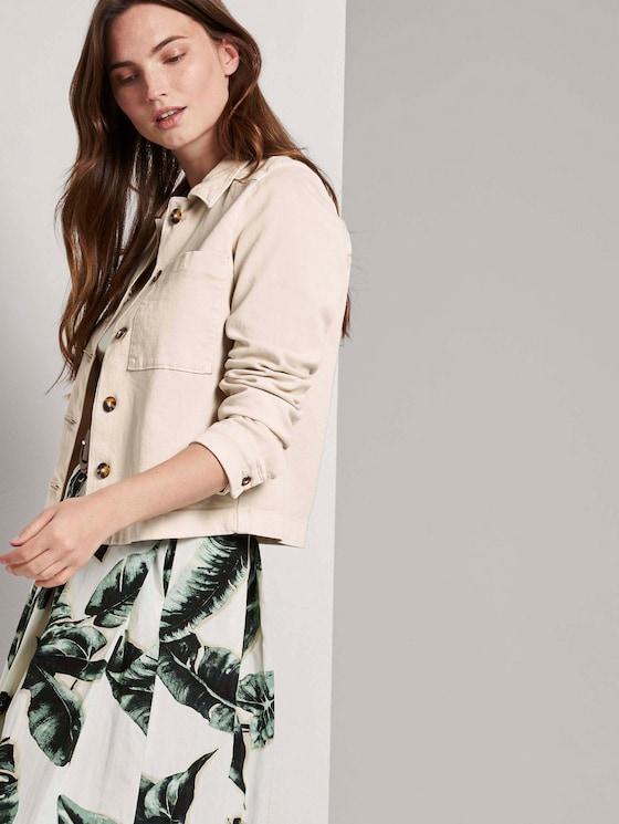 Kurzer Hemdblazer mit Brusttaschen - Frauen - soft ecru - 5 - Mine to five