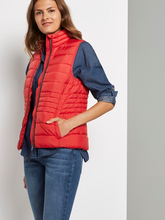 Lightweight quilted vest with a stand-up collar - Women - Strong Red - 5 - TOM TAILOR