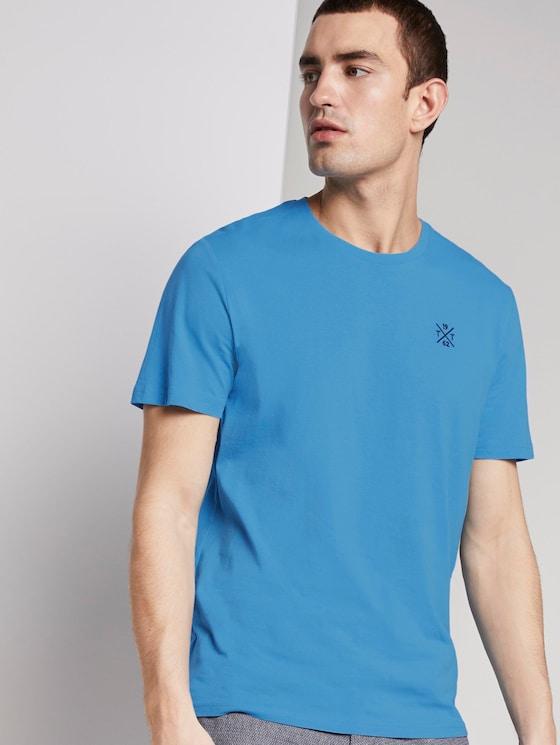 Basic T-Shirt mit Logo-Stickerei - Männer - soft cloud blue - 5 - TOM TAILOR