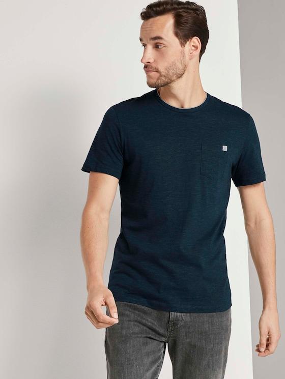 Fein gestreiftes T-Shirt mit Brusttasche - Männer - dark green thin stripe - 5 - TOM TAILOR