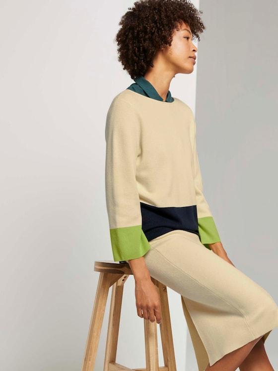 Kurzer Pullover mit Colorblocking - Frauen - light soft sand - 5 - Mine to five