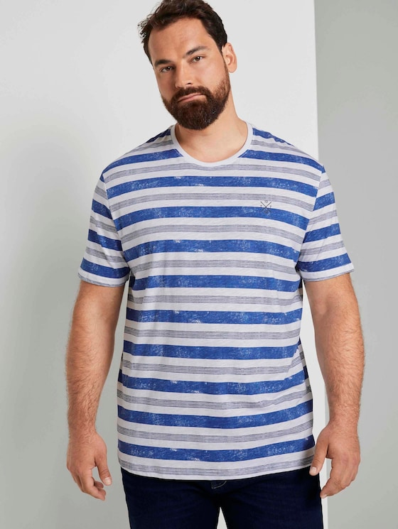 Striped T-shirt with small embroidery - Men - white bold watery stripe - 5 - Men Plus